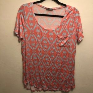 Women`s maternity short sleeve shirt